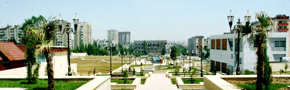 """""""Azadlıq"""" metro stansiyasının yaxınlığında park"""